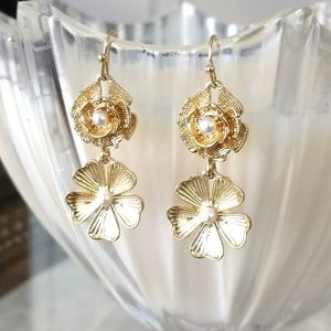 Charming floral drop earrings